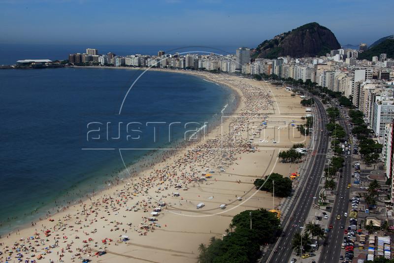 View of Copacabana beach in Rio de Janeiro. (Australfoto/Douglas Engle)