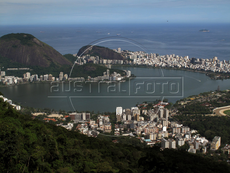 The Jardim Botanico district, foreground, the Rodrigo de Freitas Lagoon, and Ipanema district of Rio de Janeiro.(Australfoto/Douglas Engle)