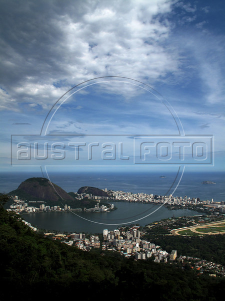 The Jardim Botanico district, foreground, the Rodrigo de Freitas Lagoon, and Ipanema district of Rio de Janeiro.(Australfoto/Douglas Engle)