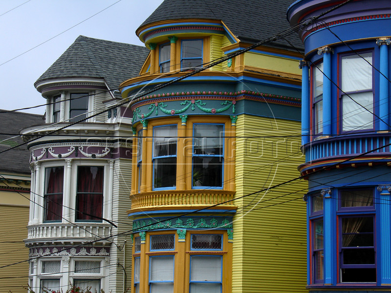 A view of victorian homes in the Haight district of San Francisco, ground zero of the hippie movement of the 1960s. The elaborately detailed 19th-century multi-story wooden houses, abandoned during economic downturn in the 1950s, became a haven for hippies during the 1960s, due to the availability of cheap rooms and vacant properties for housing in the district.(Australfoto/Douglas Engle)