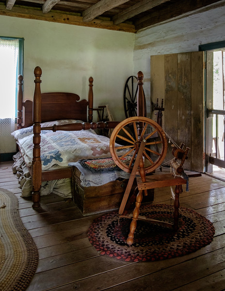 bed+spinning_wheel-5023