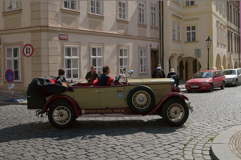 Sightseeing by oldtimer