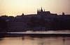 001  Kathedraal in avondrood vanaf Mozartterras