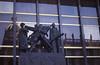 009  Praag - Beeld met Narodni museum in spiegelglas
