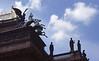 012  Praag - De Nike op het dak van het Nationaal theater