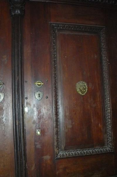 Random Door - Prague At Night - Day1