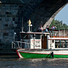 Karlsbrücke - passing under