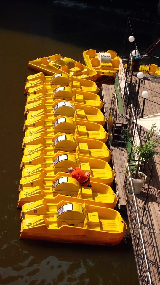 Yellow boats in Prague
