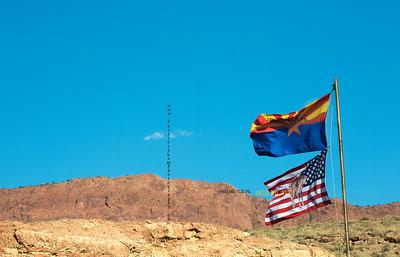 _N9A8794AZ Flag & US flag horse