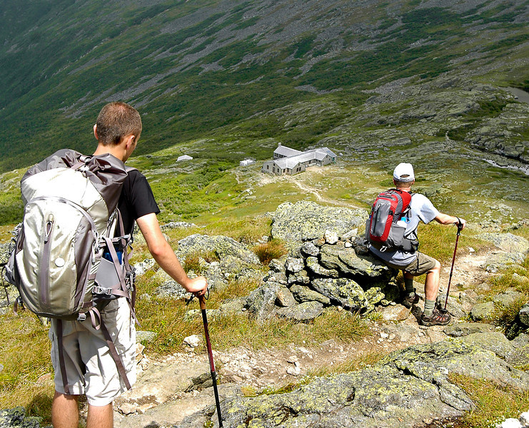 Making the descent to Lakes of the Cloud, a hut located just below Mount Washington.