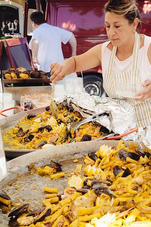 Morning Market - Roussillon, Provence, Thursday May 10, 2007