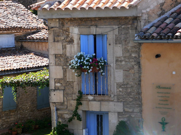 Window in Bonnieux