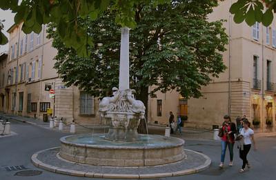 Fountain des Quatre-Dauphins