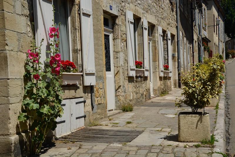 Rue Saint-Pierre, Vézelay