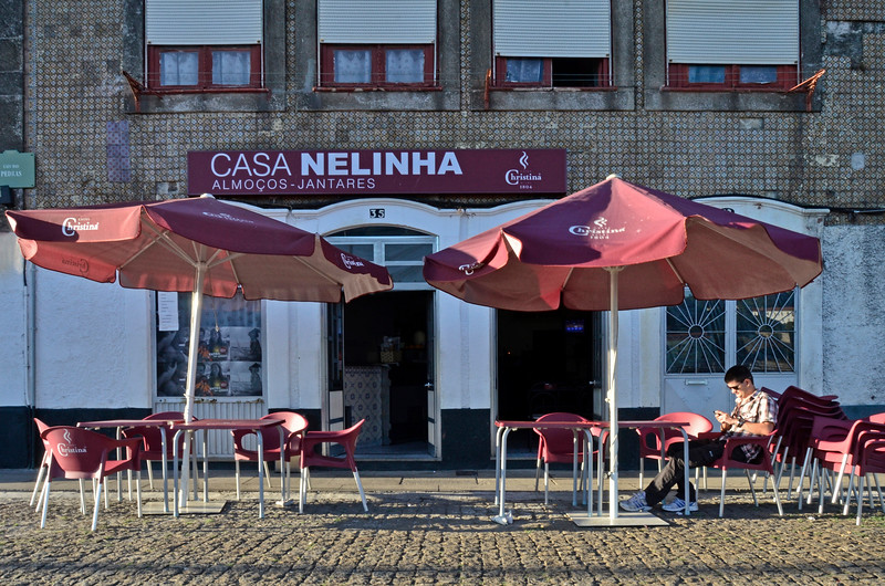 """Casa Nelinha, Porto  20/08/2012   --- Foto: Jonny Isaksen<br /> <br />  <a href=""""http://www.flickr.com/photos/fmarmorini/5711303284/"""">http://www.flickr.com/photos/fmarmorini/5711303284/</a>"""