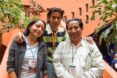 Guide Alfredo Torres Cuahite (r) and his children