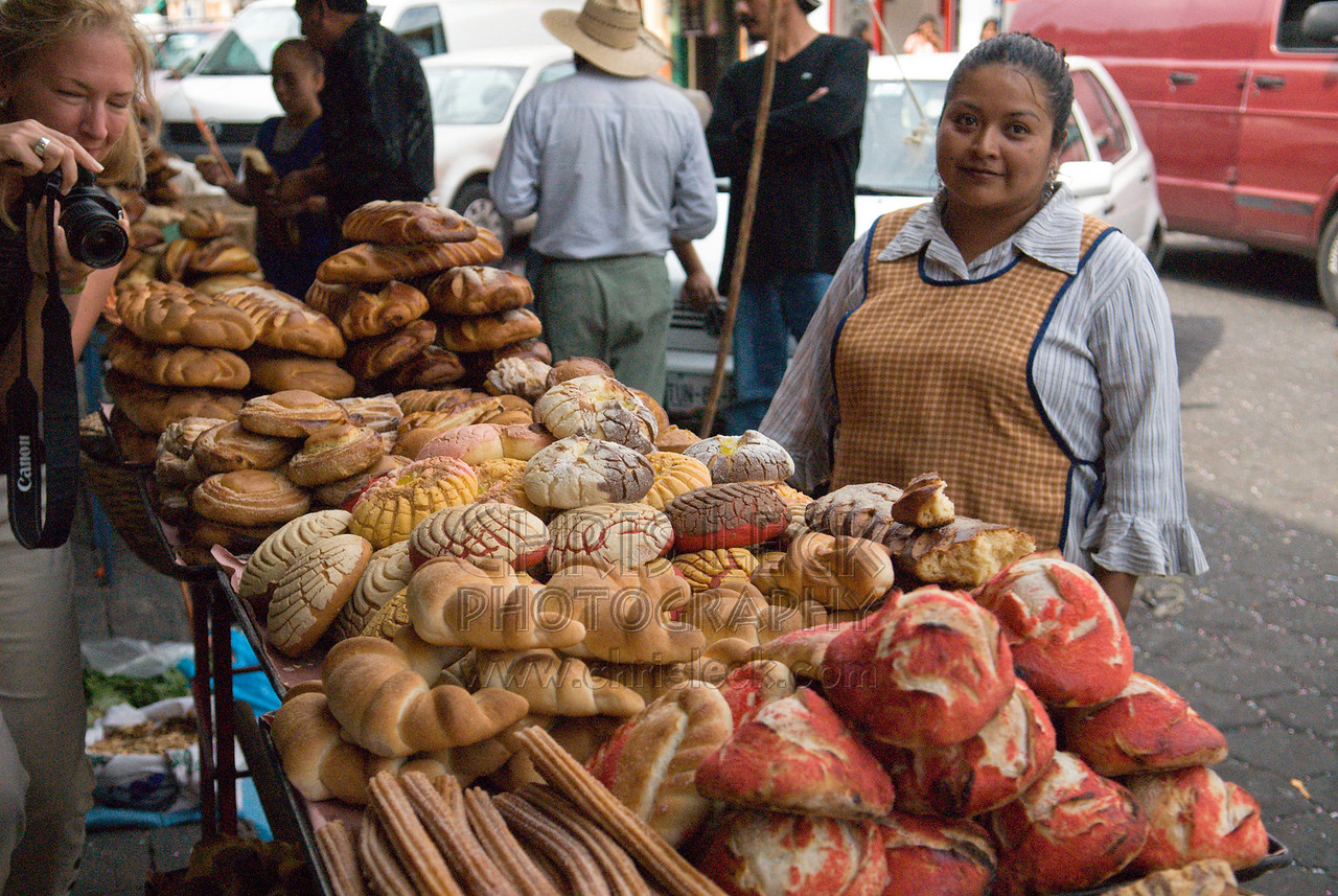 Woman selling pastries IN aTLIXCO