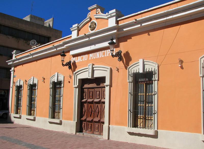 The City Hall.<br /> <br /> El Palacio Municipal.