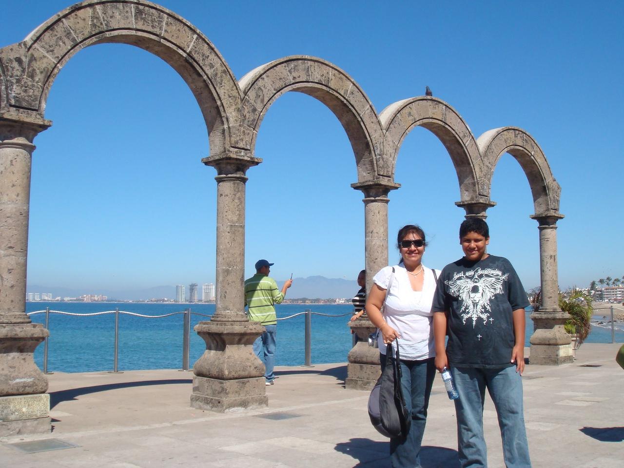 Arches...<br /> <br /> Arcos...