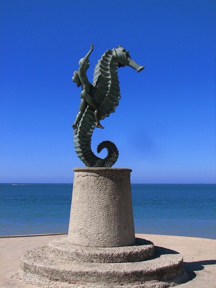 Beautiful sculpture.<br /> <br /> Hermosa escultura.