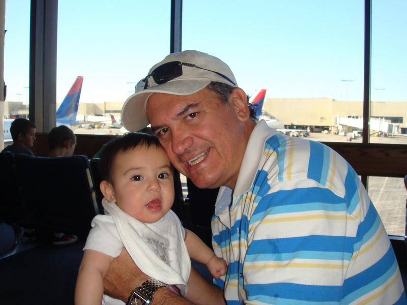 Getting ready to board the plane, this would be Angela's first trip outside of the country!<br /> <br /> Esperando abordar el avion.  Este sera el primer viaje de Angela fuera del pais.