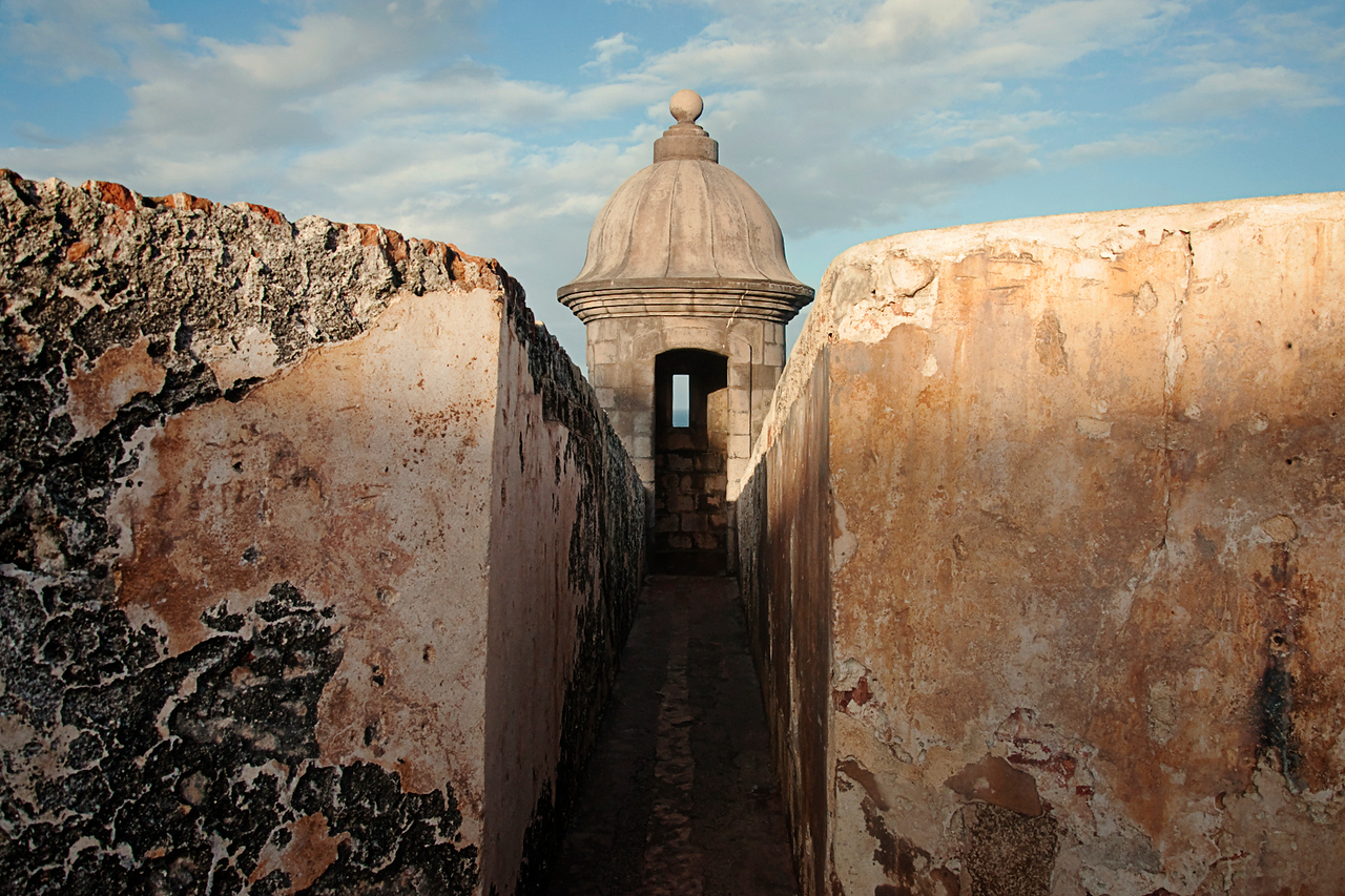 One of many of El Morro's garitas.