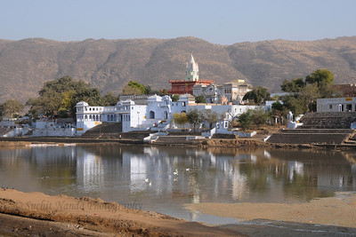 Brahma Temple in Pushkar Lake, Rajasthan.  The town of Pushkar is located 14 km North West of Ajmer. Pushkar is one of the oldest cities of India. It  has in recent years become a popular destination for foreign tourists. Pushkar, Rajasthan, India.