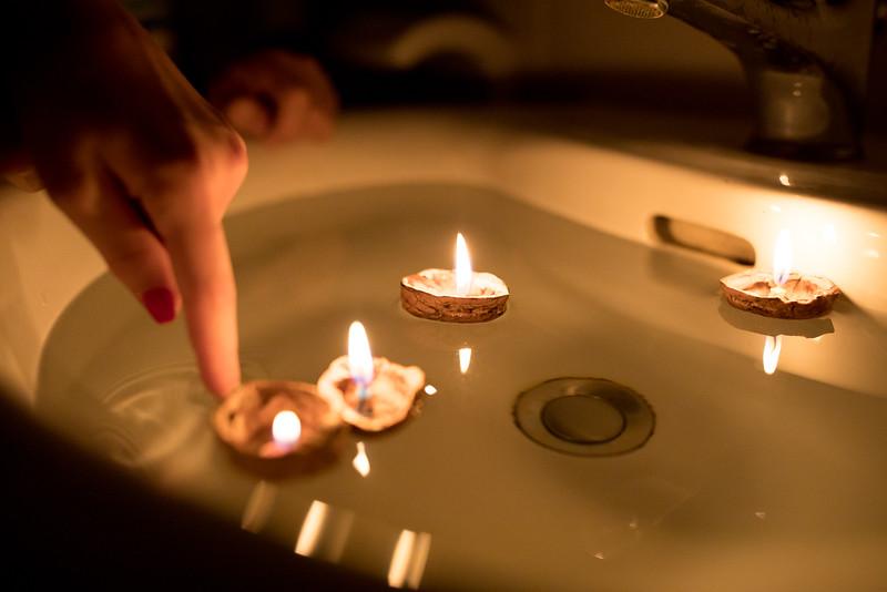 skořápky ořechů svíčky Vánoce tradice