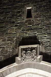 Détail nocturne de l'arc Saint-Jean
