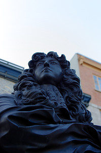 Buste de Louis XIV, Place Royale, quartier Champlain