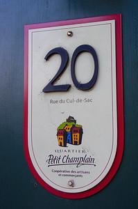 Plaque d'entrée d'immeuble au Petit Champlain