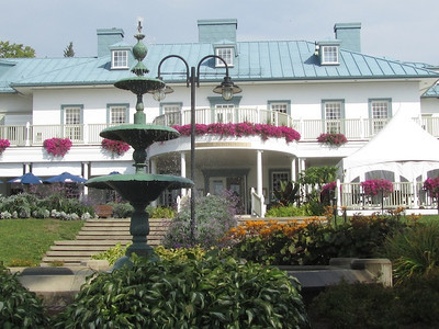 Manoir at the falls