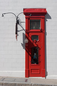 Red Door, rue du Parloir