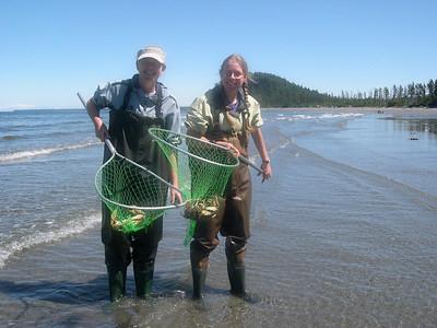 Mitzi & Kjirsten crabbing.