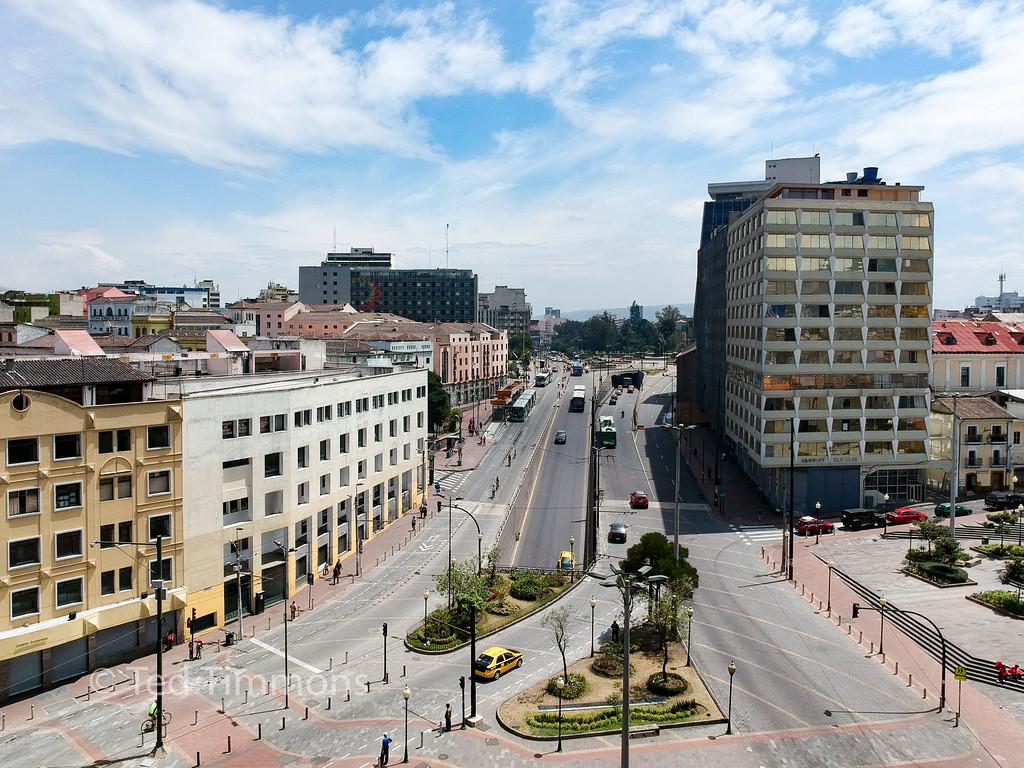 Traffic and the ciclopaseo. Looking north towards Parque la Alameda.