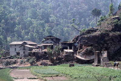 Village in the Tamba Khosi Valley, during the walk-in