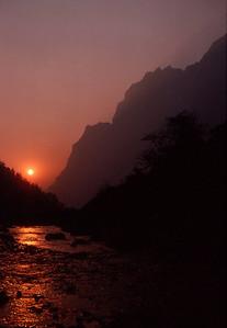 River of fire at Beding, Rowaling Valley
