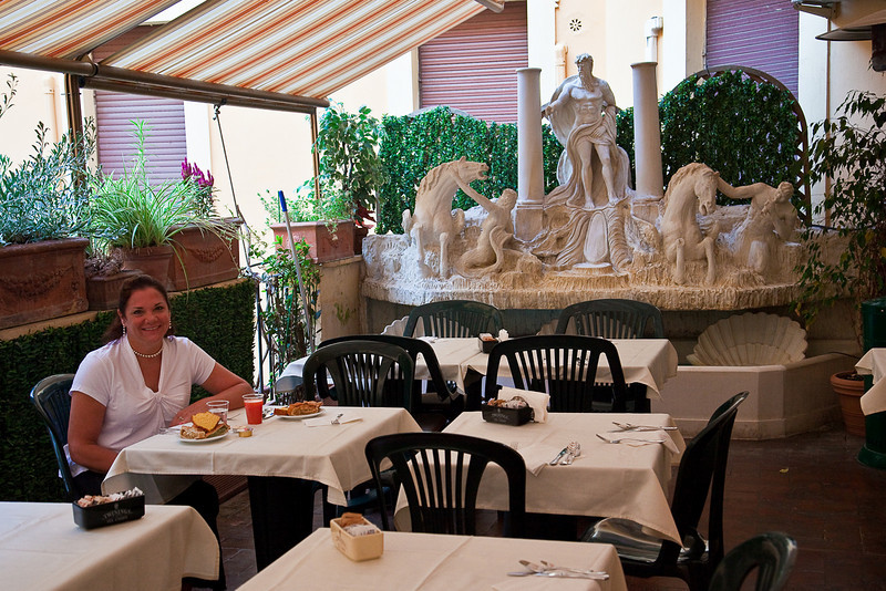 BREAKFAST AT HOTEL ADLER IN ROME