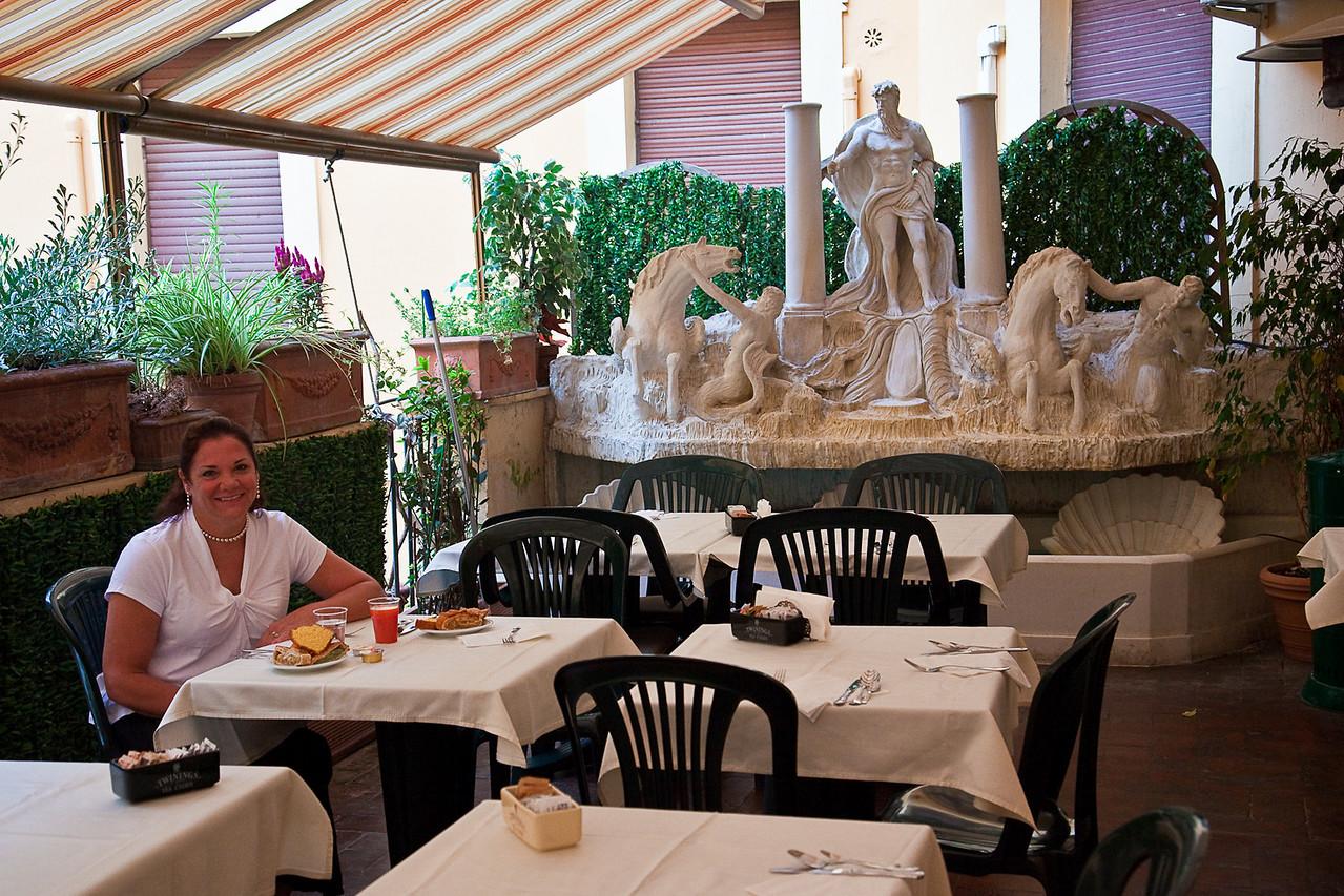 BREAKFAST AT HOTEL ADLER IN ROME