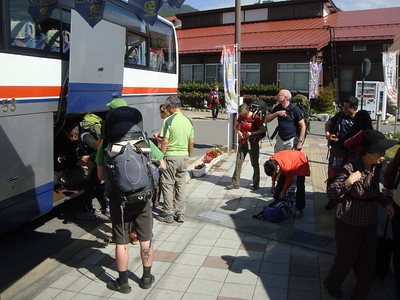 Boarding the bus in Shinano-Omachi at the start of the Alpine Route.