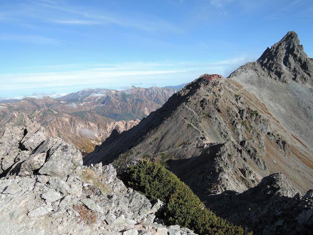The trail leading from Yari south along the Hotaka Ridge.