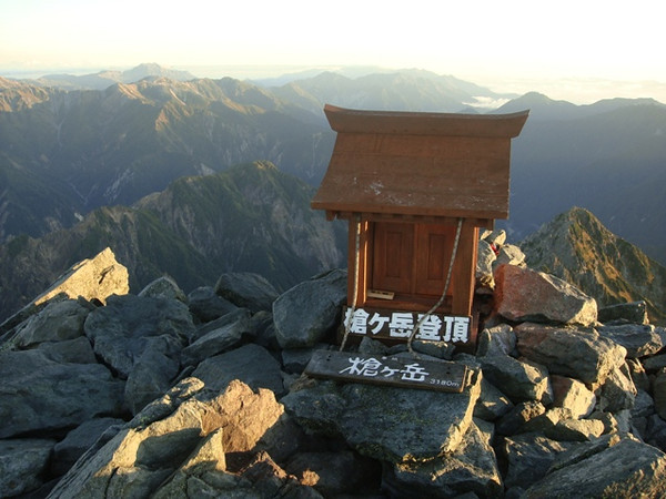 SHINTO SHRINE ATOP MT YARI.