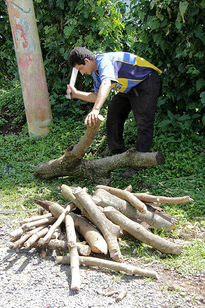 We stopped to visit with this wood gatherer along the road. He was highly skilled with his machete.