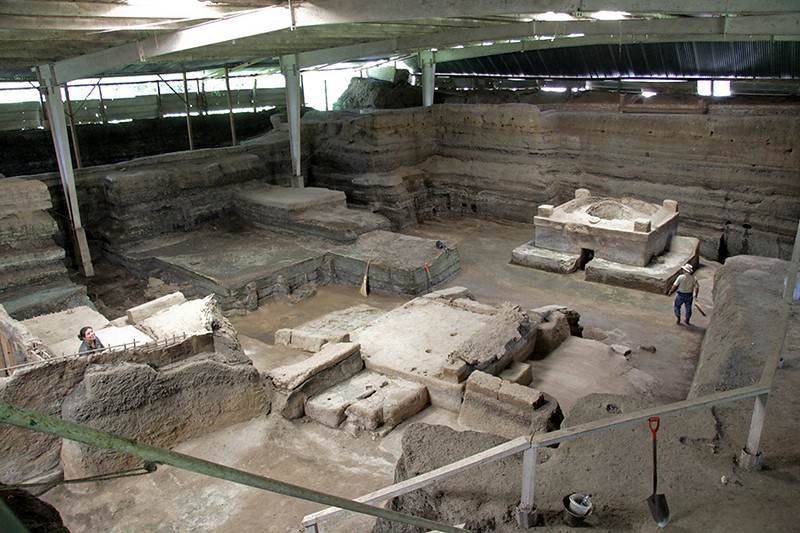 Twelve structures have been excavated, including living quarters, storehouses, workshops, kitchens, a communal sauna and a religious structure.