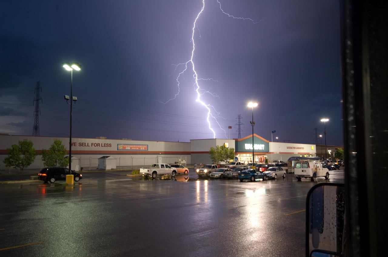 "<A HREF=""http://dmenkes.smugmug.com/gallery/5660489_JYN7c"">Lightning storm</A>, Red Deer, Alberta, Canada"
