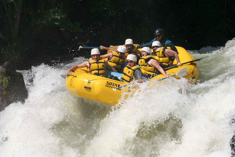 Everyone in the raft!  Hold on!