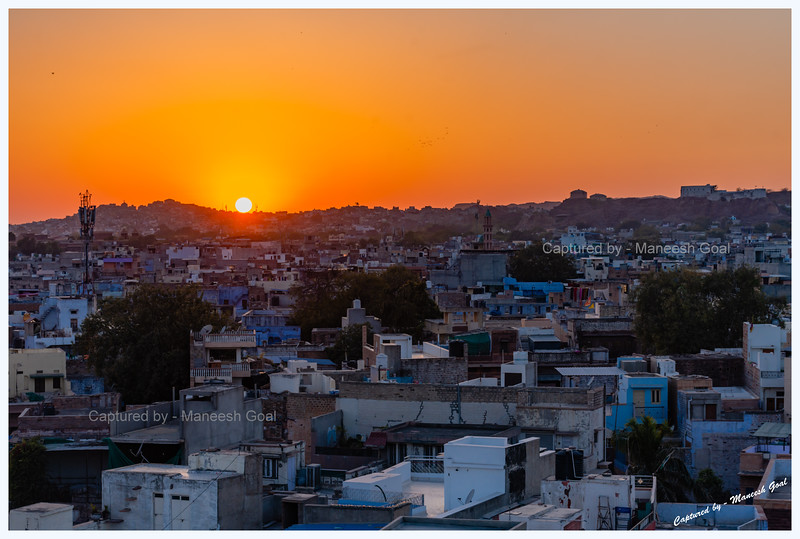 Catching up on the sunset in Jodhpur