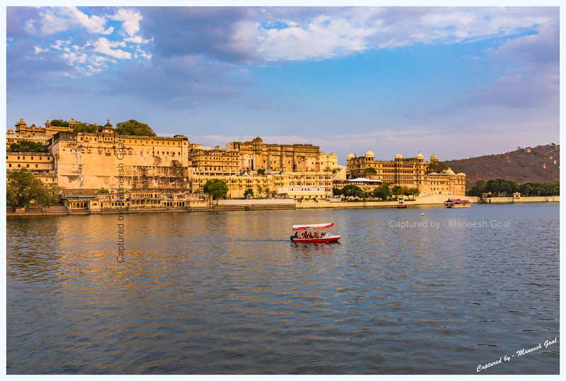 City Palace Complex, located on the banks of Lake Pichola. Picture taken from Ambrai Ghat, Udaipur.