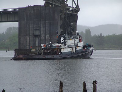 Brusco Tugboat under the Chehalis River bridge