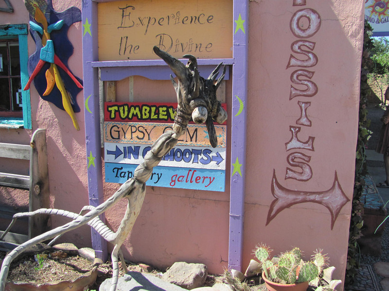 Sculpture outside a shop in Madrid, NM, en route to Santa Fe from Albuquerque, if you take the Turquoise Trail.  The Turquoise Trail is supposed to be the scenic route w/ all these cool artsy towns to stop in...  except it's really not and the towns are just plain sketchy for the most part...  except maybe Madrid, NM.